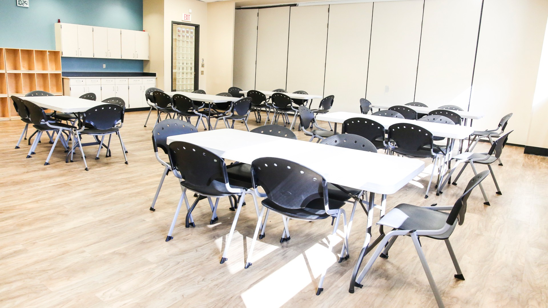 One of the classroom rentals with tables and chairs at Barwell Road Park