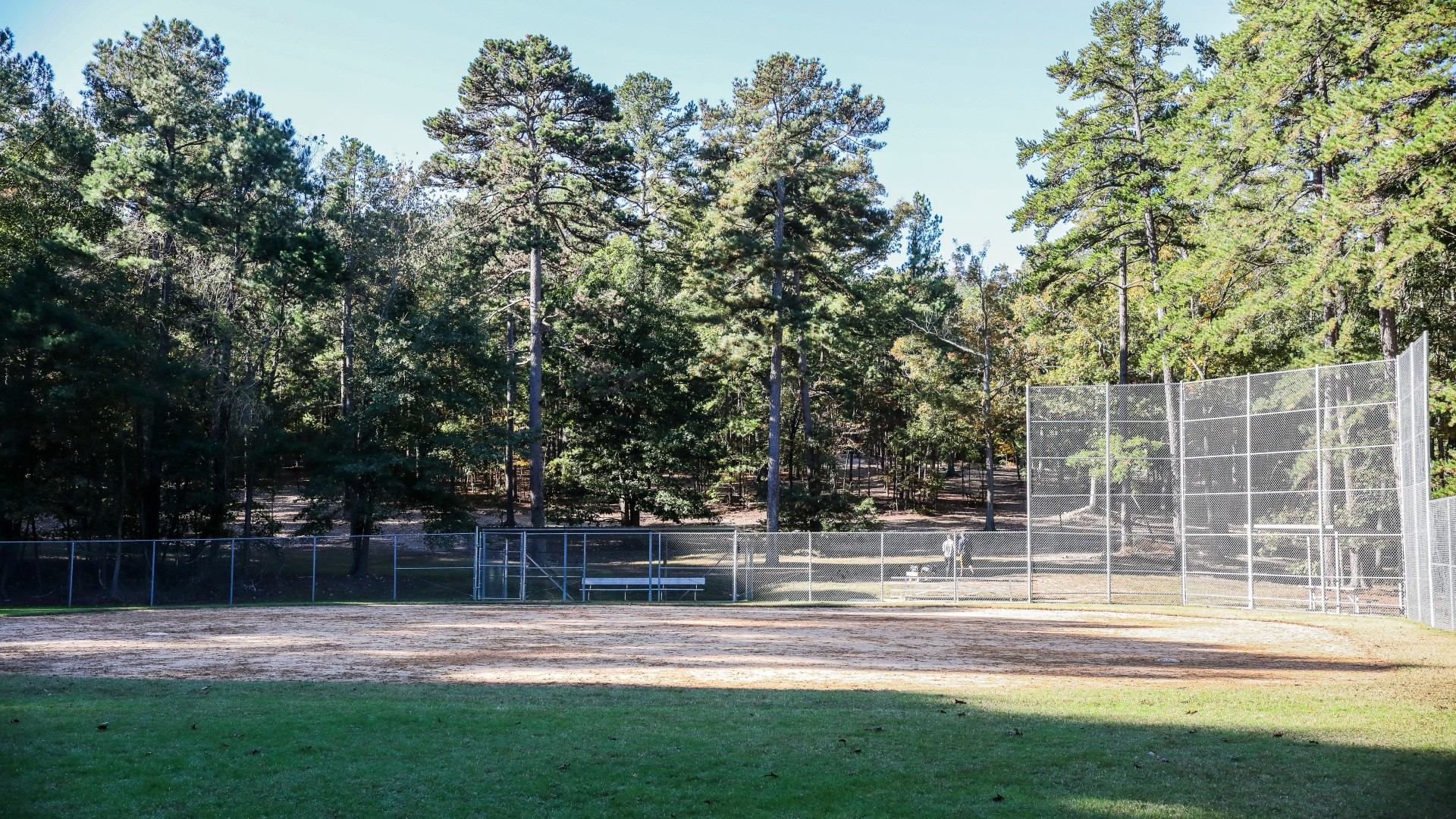 Baseball diamond and field at Kentwood Park