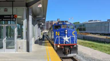 train at the platform at Raleigh Union Station